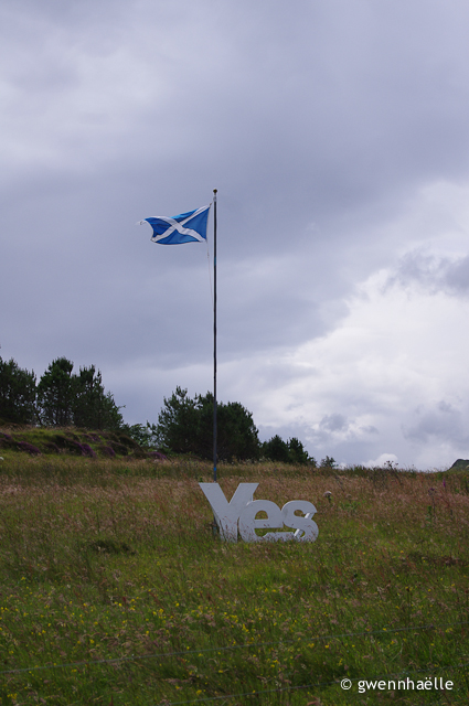 2014-07-07_07-Isle_of_Skye-drapeau_Yes-blog